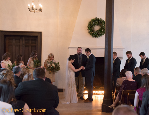 Classic-Winter-Wedding-in-Baltimore-at-Chase-Court