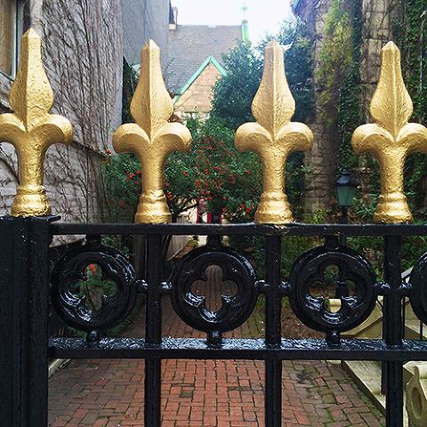 iron-gates-at-chase-court-baltimore-5161